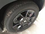 タイヤはまだまだ使えます。純正の16インチアルミホイール装着