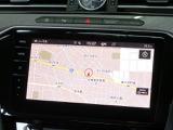 Volkswagen純正インフォテイメントシステム「Discover Pro」:9.2インチ大型スクリーンのDiscover Proを搭載。スクリーン全面にセンサーボタン、画面に触れることなく操作でき