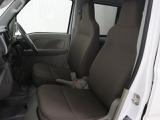 長距離ドライブでも疲れ難いフロントシート!
