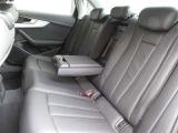 後部座席にもシートヒーターついています