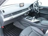 「Audi認定中古車延長保証制度」 ご希望により、保証期間を有償にて更に一年間延長することが可能です。Audiの安心なカーライフをお約束します。料金など詳細はスタッフまでお気軽にお問い合わせください。
