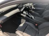 専任メカニックによる、プジョー車専用の故障診断器を使用した1年定期点検相当を納車前に実施。