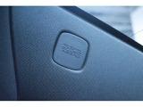 前席デュアルSRKエアバッグ・SRSサイドエアバッグ・カーテンエアバッグが乗員保護をしてます。