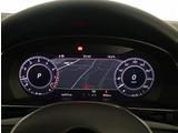 """デジタルメータークラスター""""Active Info Display"""" 12.3インチの大型ディスプレイの画面中央に純正ナビゲーション""""Discover Pro""""と連動したマップが表示されます。"""