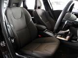 ボルボ V40クロスカントリー T5 AWD モメンタム 4WD