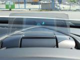 視線を大きく動かさず、情報を瞬時に把握できるアクティブ・ドライビング・ディスプレー
