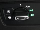 暗くなると自動でライトを点灯するオートライトシステム。連続するトンネル等で重宝します。