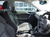Audi正規ディーラーが高品質をお約束。高度な訓練・教育を受けたAudi専任メカニックが、100項目にもおよぶ精密な点検を実施いたします。すべてをクリアしたAudi車だけが、あなたのお手元に届けられるのです。