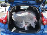 車内にノーマルタイヤ+アルミが載ってます!