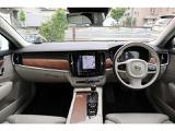 ボルボ V90 T6 AWD インスクリプション 4WD