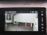 サイドカメラ画像です、左側側面の車両感覚をつかみやすい便利な機能です
