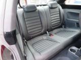 革張りシートには重宝する「シートヒーター」付き。寒い日のドライブをよりお楽しみいただけますよ!