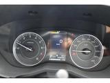 マルチインフォメーションディスプレイ付メーター☆中央のディスプレイにさまざまな車両情報を表示して、より安全なドライブをサポートします。
