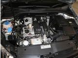 TSIエンジン【ターボ付き直噴エンジンは、排気量のダウンサイジングにて、CO2の排出削減。排気量を下げて出力低下をターボにて空気量を上げ高効率燃焼。そして、高出力、低燃費を実現】