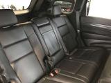リアシートにもシートヒーターを搭載しております。すべての乗客が快適にお過ごしいただけます。