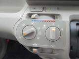 エアコン☆室内の温度調整として冷房・除湿ができるのはもちろんのこと冬場や雨天時の窓の曇り取りとしても活用できるエアコン。