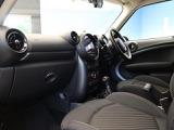 BMW ミニクロスオーバー クーパー SD