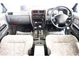 日産 ダットサンピックアップ 2.4 AXリミテッド ダブルキャブ 4WD