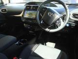 トヨタ プリウス 1.8 S セーフティ プラス ツートーン