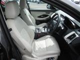 ジャガー Eペイス HSE 2.0L D180 ディーゼル 4WD