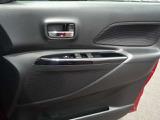 運転席ドアは乗り降り頻度が多いので傷がつきやすくなっております。
