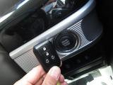 イモビライザー付きのスマートキー装備です。鍵の施錠解錠やエンジンの始動停止時がワンプッシュで可能です♪車に乗るのが楽に楽しくなります♪