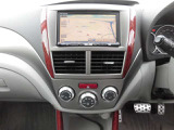 HDDナビ&オートエアコン付きでロングドライブも快適!
