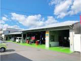 サービス工場も併設しております。車検点検等 アフターサービスもお任せください!