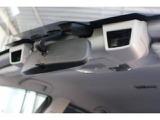 アイサイトのステレオカメラは左右2個のカメラで捉えた画像をコンピュータ処理することで「車」「人」「自転車」「車線」など世界を立体的に捉えます