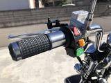 JAPANクオリティーでより安全に安心してお乗りいただけます。また、通常のバイクですとバックはついていませんが、ブレイズEVトライクには標準装備しています。後進機能付き!