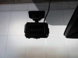 事故時の映像を記録するドライブレコーダーを装備♪