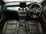 メルセデス・ベンツ GLA250 4マチック 4WD