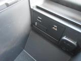 CD/DVDのほか、USB接続ポートにHDMI端子を装備しています。スマートフォンやミュージックプレーヤーなどの接続に最適です。もちろんブルートゥース接続にも対応しています!
