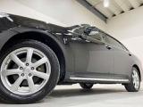 ホイルは17インチアルミホイルになります。タイヤは夏冬セットでお付けしますので、余計な出費もかさまず安心です。タイヤサイズ235-50-17。