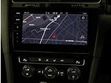 VW純正インフォティメントシステム「Discover Pro」タッチパネルナビゲーション。車両設定や情報が確認できます。ナビ連動型純正ETC2.0とエンブレム内蔵バックカメラが付いています。