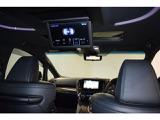 後席モニターでTV・DVDが見られるので長距離ドライブにも最適です!