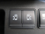 【両側電動スライドドア】後ろドアが両側ともスライドタイプになっています!左右ともに電動で動くのでご家族に人気の機能!!