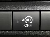 【アイドリングストップ】信号待ちなどでガソリンの無駄遣いを解消する機能です。エンジンが勝手に切れて、フットブレーキを緩めるとエンジンがかかります!実はこのスイッチ一つで機能のON/OFFができます。