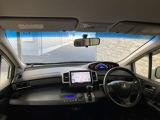 安心して運転して頂ける視界の広さや快適に過ごして頂ける広々とした空間がございます。