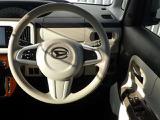 ハンドル回りも広く運転操作が非常にしやすいです!!