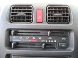 簡単操作の純正ラジオ。