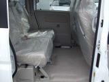 後部座席も広々としているので快適なドライブをお楽しみいただけます♪