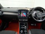 ボルボ XC40 T5 AWD Rデザイン 4WD