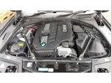 駆け抜ける歓びがキャッチフレーズのBMW。5シリーズ初期モデル2.5L 6気筒エンジン。シルキーシックスです。