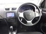 【運転席】視界が良くて運転しやすいドライブポジションが保てて、安全運転ができます♪