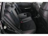 STi専用のシート!運転席・助手席ともに電動シートを採用。シート位置の微調整ができ、ぴったりの姿勢でドライブをお楽しみいただけます