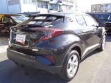 トヨタ C-HR 1.2 S-T LEDパッケージ 4WD