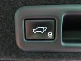 ●パワーバックドア【スイッチ一つでバックドアを電動開閉できます。開閉が安全に行える挟み込み防止機能付き。操作はスマートキーのスイッチ、室内コントロールスイッチでも行えます。