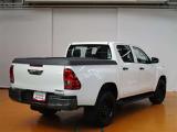 トヨタ ハイラックス 2.4 X ディーゼル 4WD