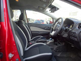 ◆運転席まわり◆広さと快適さ、そして使いやすさが揃っています!コンパクトなボディにゆとりある空間が広がっています!